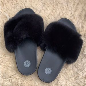 Pure Barre Fuzzy Slides
